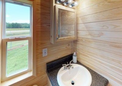 titus-Bathroom01